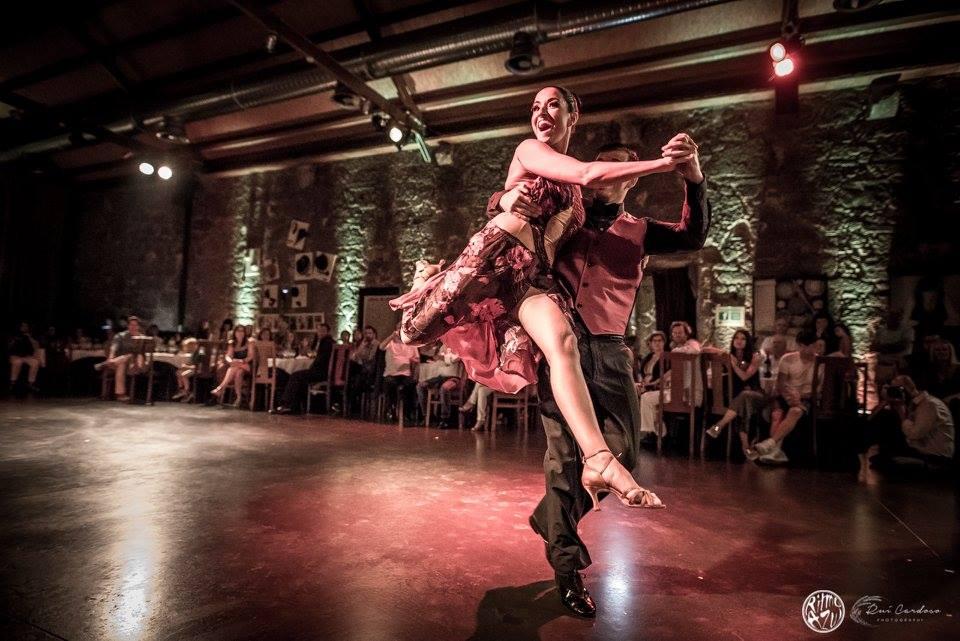 Ritmo Azul - Escola e Companhia de Dança. Tango