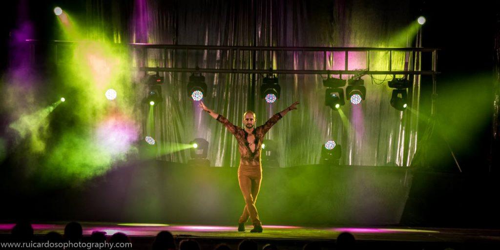 Espectáculo de dança, salsa no Porto