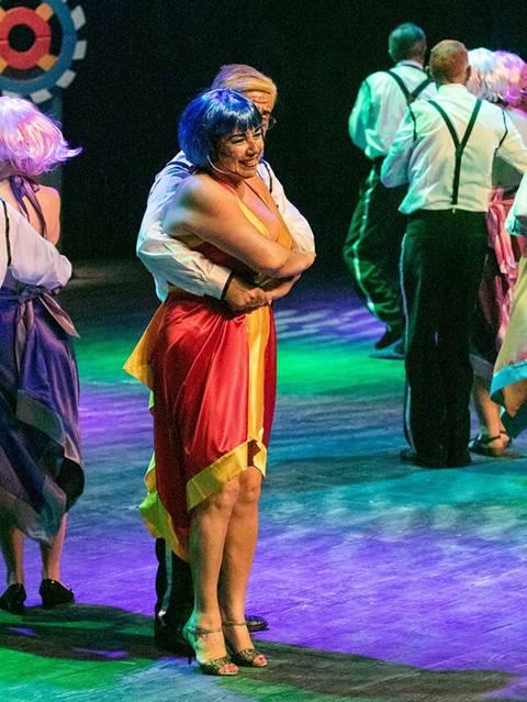 par de dança sénior em espectaculo