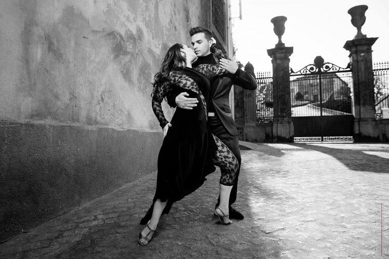 bailarinos e professores de tango argentino da escola de dança do Porto - ritmo Azul