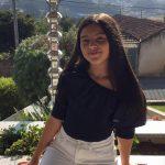 dançarina jovem de salsa da escola de dança Ritmo Azul nas aulas de dança online
