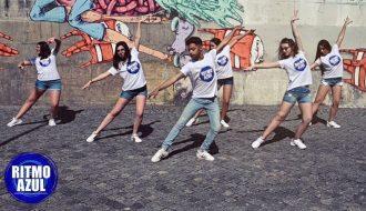 jovens a dançar salsa coreografado em aulas de dança onlineda escola de dança Ritmo Azul