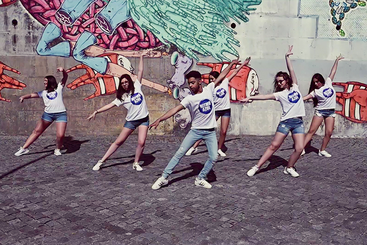 Escola e Companhia de Dança Ritmo Azul, Porto, Vila Nova de Gaia, Dança na rua
